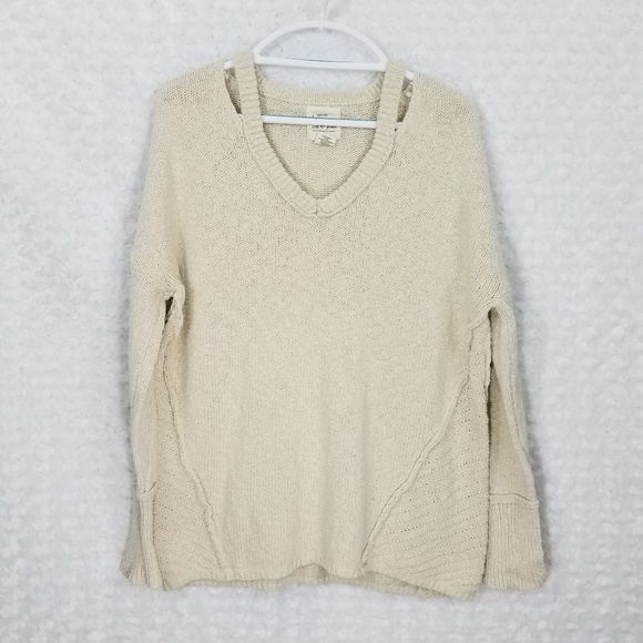 between me & you Sweaters - Between me & you Cream Sweater w/Cut on Neck Detai
